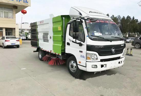 福田欧马可5吨扫路车图片