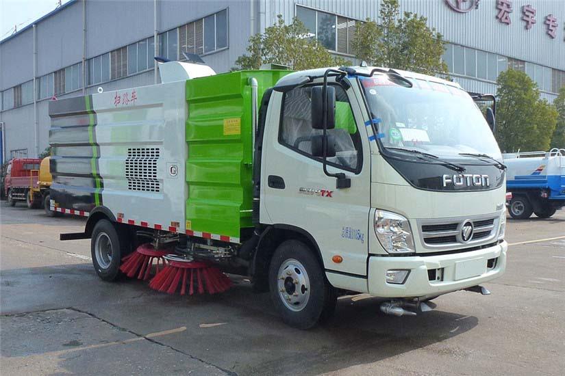 福田奥铃5吨扫路车图片
