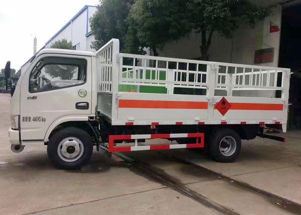 东风多利卡D6气瓶运输车