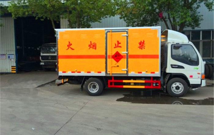江淮5吨民爆运输车