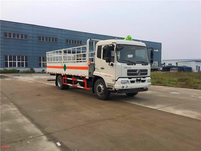 6.2米东风天锦7.9吨气瓶运输车(风神)