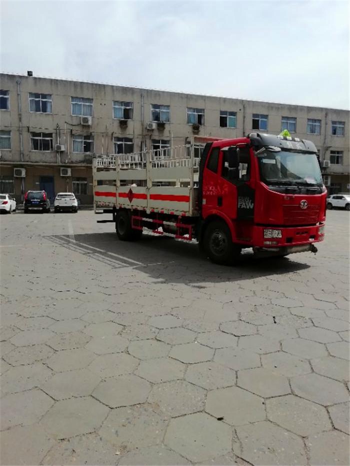 6米J6解放10吨气瓶运输车