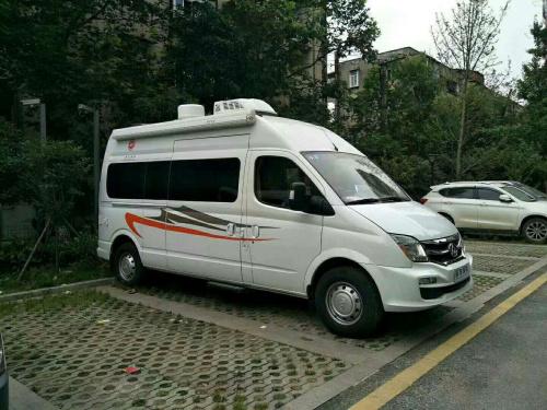 襄阳上汽大通房车长轴高顶商务型厂家价格仅售29.88万