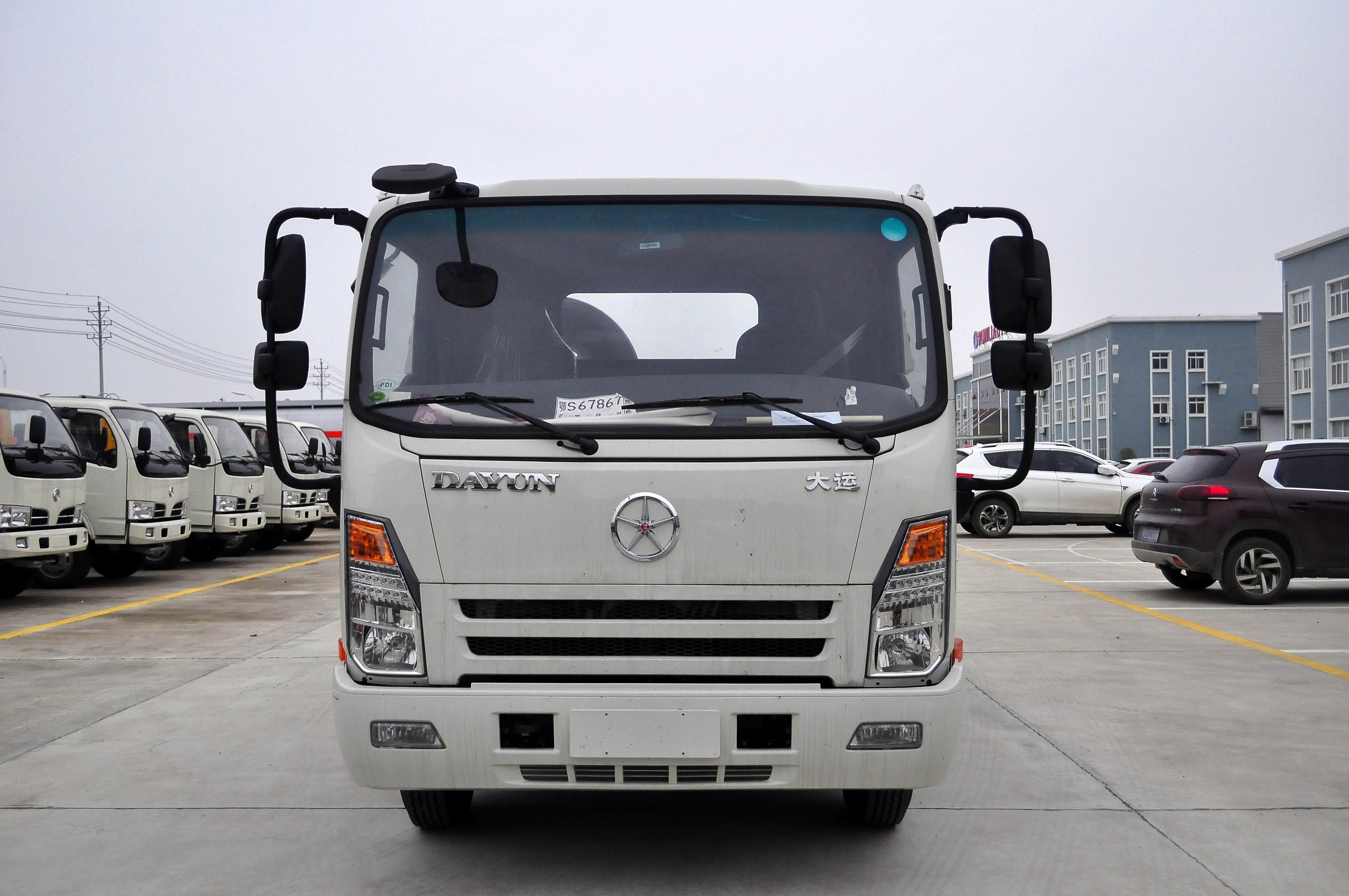 云南文山清障车厂家直销大运排半驾驶室清障车价格仅14.8万