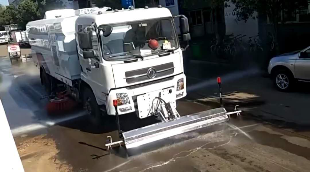 東風天錦16方多功能洗掃車