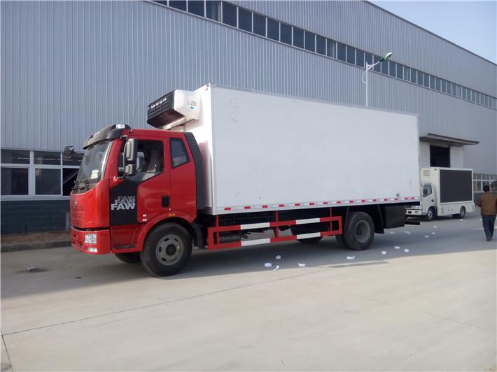 解放J6国五厢长6.8米/7.5米冷藏车