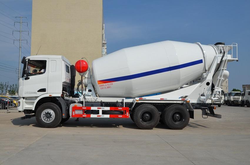 联合重卡16方混凝土搅拌运输车