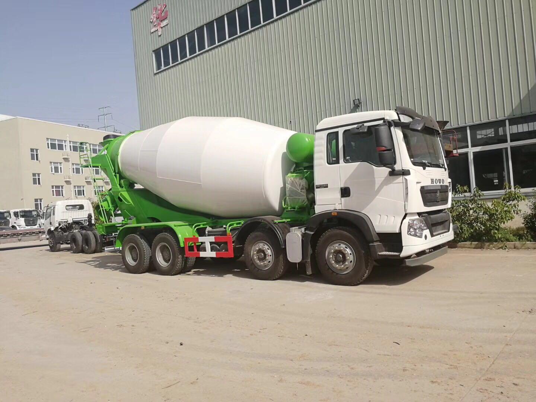 重汽豪沃T5G轻量化混凝土搅拌运输车