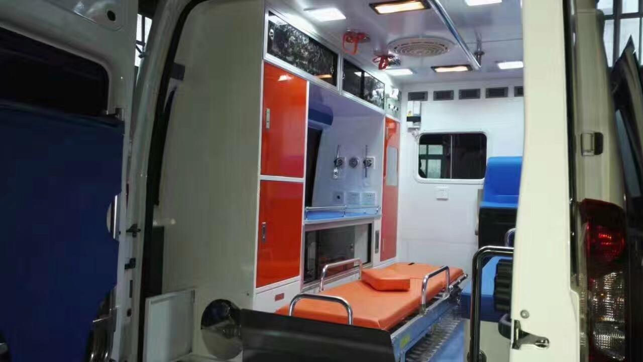 福特V348高顶救护车 (46)