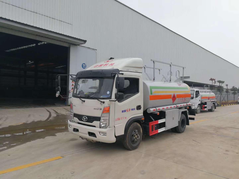 大运 风驰6吨运油车 5吨加油车图片