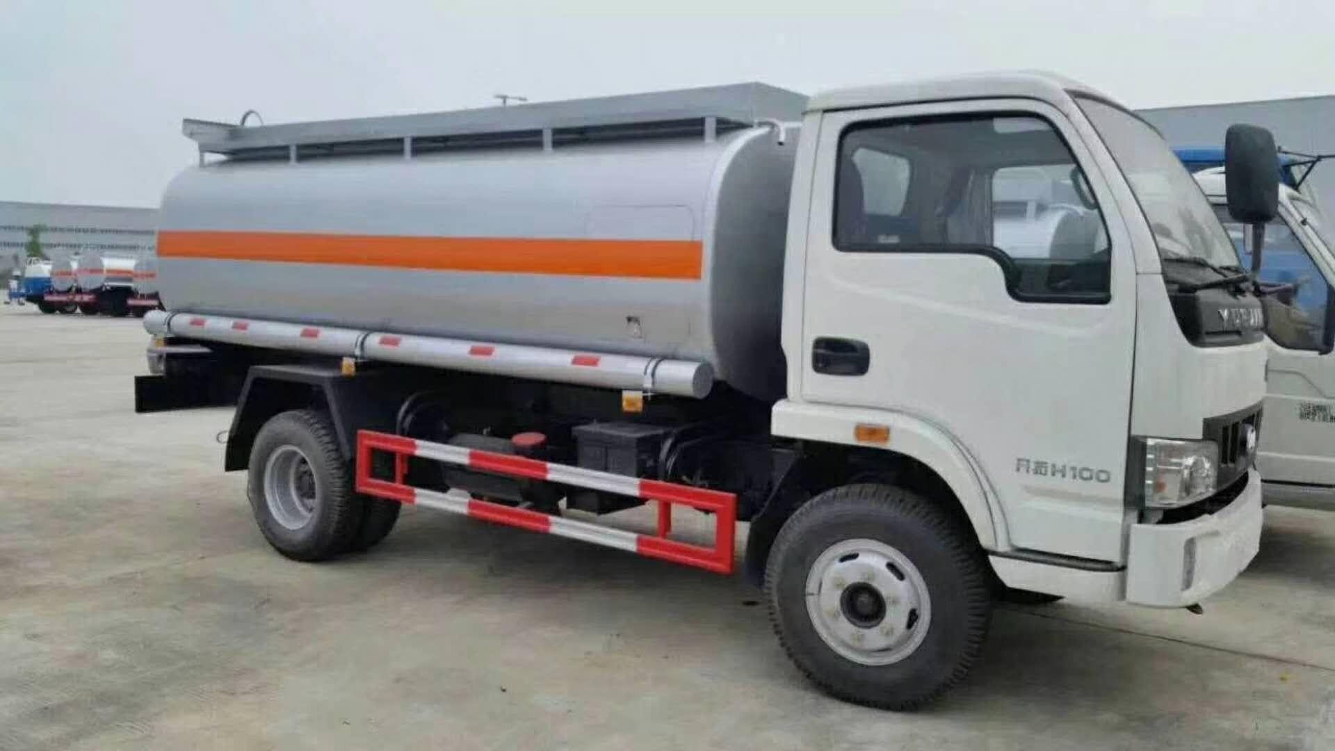 重汽豪沃5.2方流動加油車