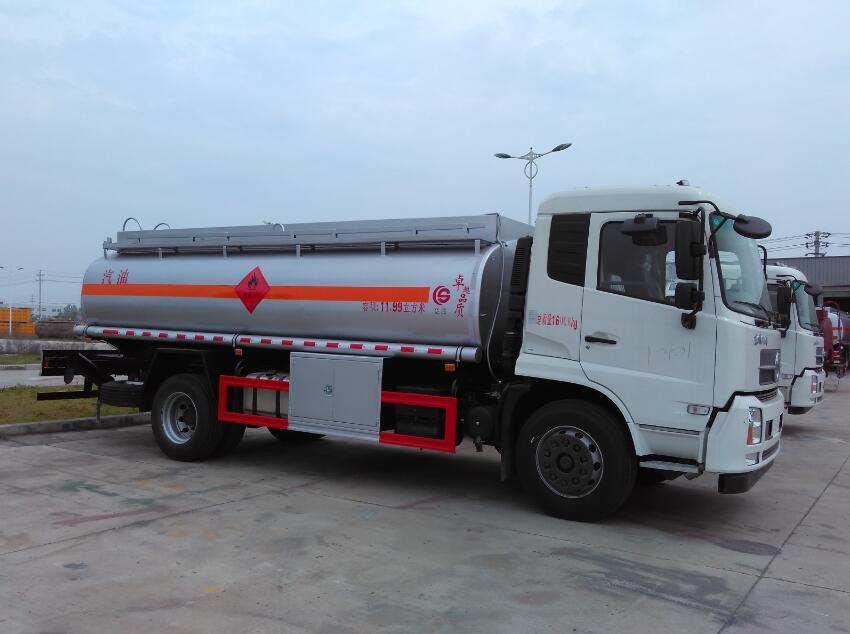 东风天锦11.99方(实际14.2方)汽油加油车图片