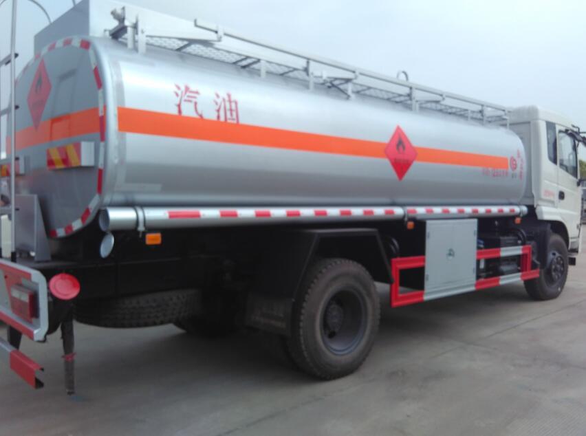 東風153-12.75方(實際15方)汽油運油車