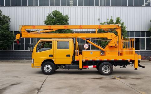 高空作业车厂家 高空作业车正在做最后的调试  准备发往上海