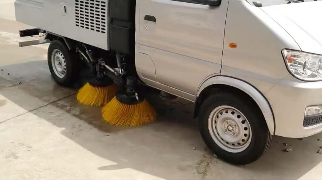 长安扫路车试车视频
