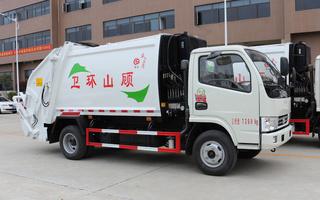 东风5吨小型挂桶压缩垃圾车图片
