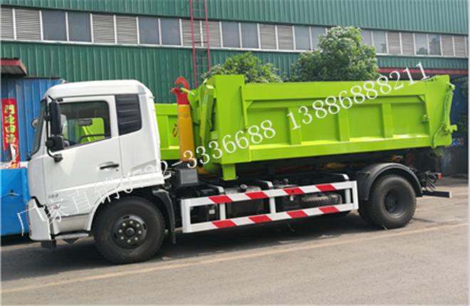 东风天锦勾臂垃圾车(16-18吨)