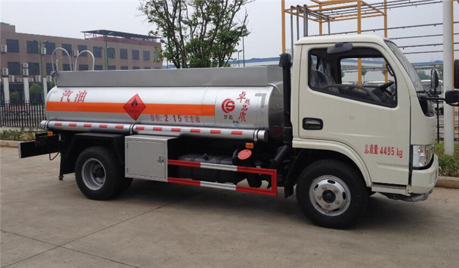 东风小多利卡(蓝牌)2.15方(实际2.4方)汽油加油车