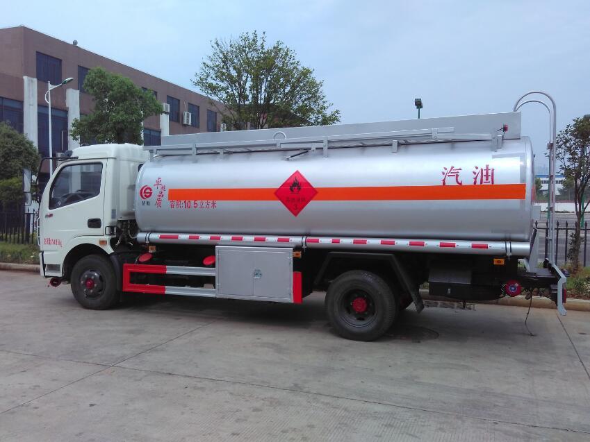 东风大多利卡10.5方(实际11.3方)汽油加油车