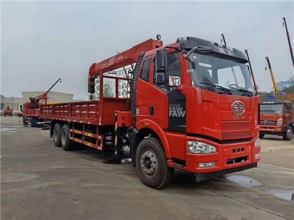 解放J6三一12吨随车吊5