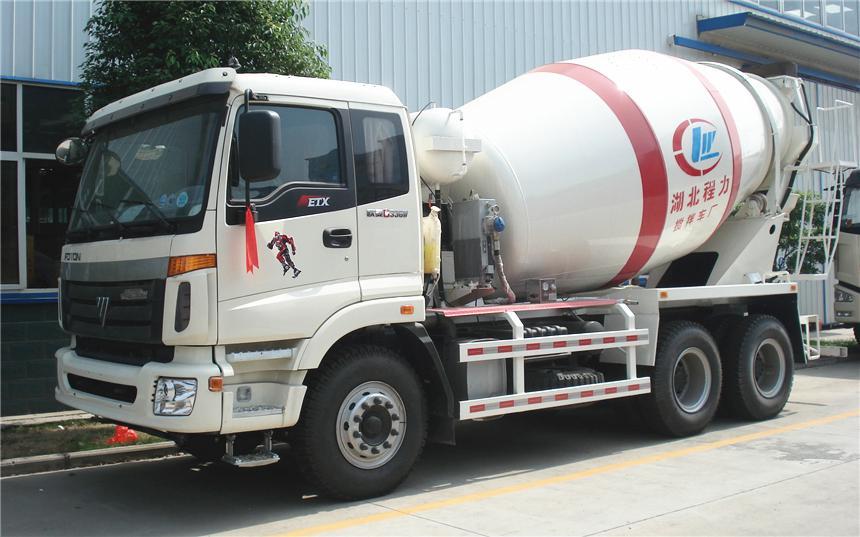 福田欧曼12方水泥搅拌车