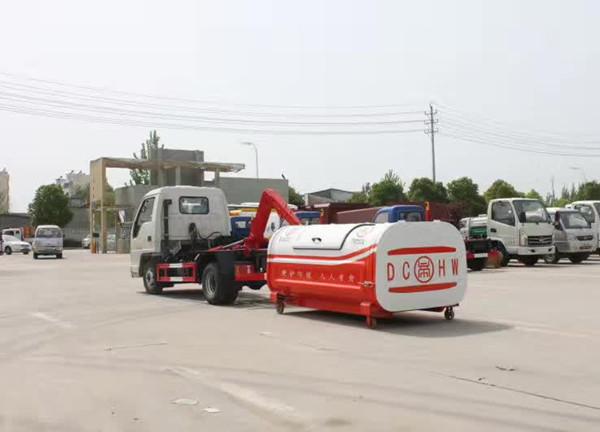 福田小卡4方勾臂垃圾車(福田小卡4方車廂可卸式垃圾車)_高清圖片