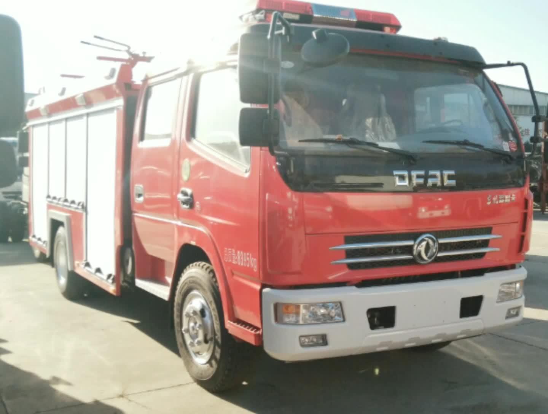 东风多利卡d7水罐消防车