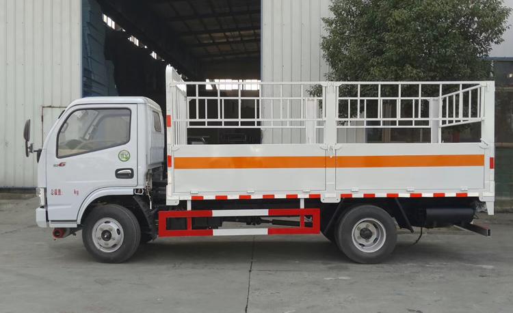 東風多利卡3.5米氣瓶運輸車