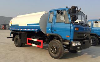 东风10吨12吨保温热水运输车图片