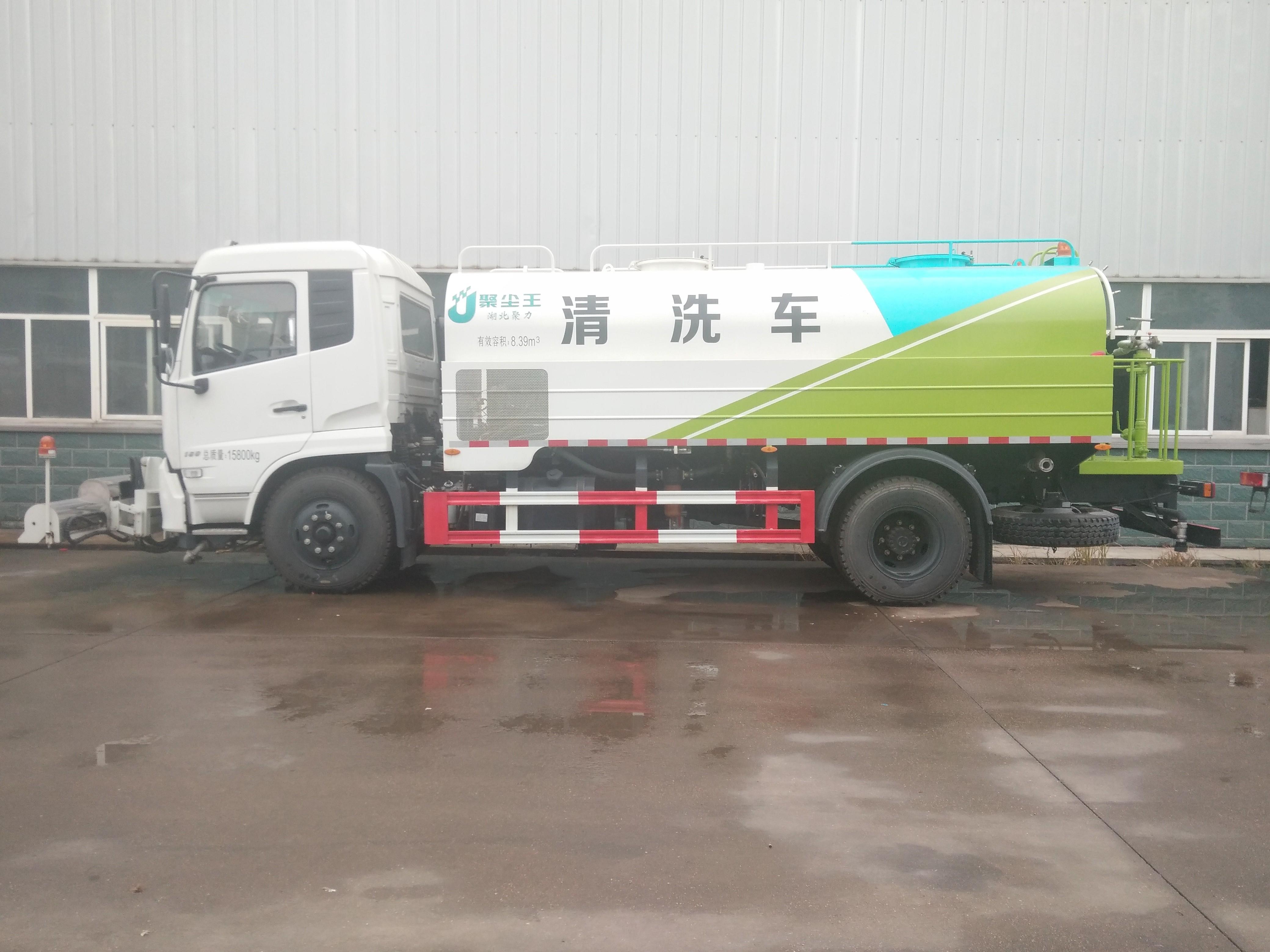 东风天锦清洗车图片