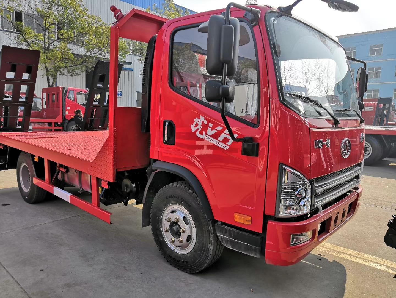 解放虎V蓝牌平板车,C证可以驾驶的挖机拖车图片