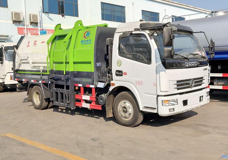 側裝壓縮垃圾車(東風大多利卡)