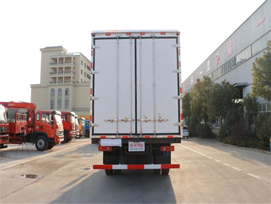 东风天锦6.55米冷藏车图片