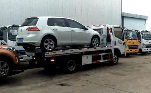 清障车生产厂家销量最好的一款蓝牌一拖二清障车