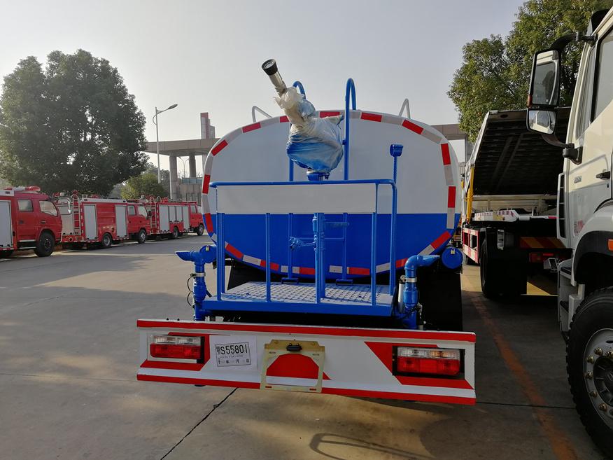 8噸灑水車5