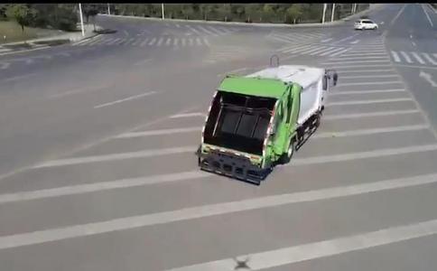 8方压缩垃圾车视频 8方压缩垃圾车图片