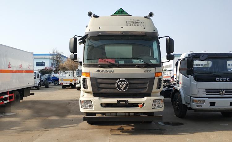 福田欧曼9米4易燃气体厢式运输车