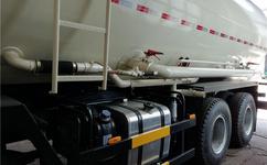 淮安东风前四后八35方自卸式散装水泥车厂家 粉粒物料车质量好
