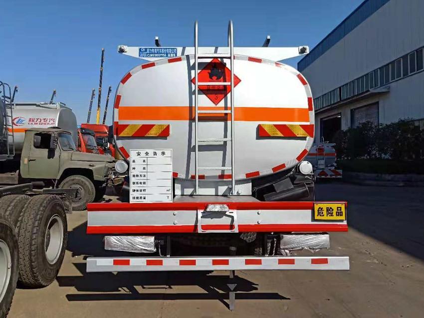 陕汽德龙12吨加油车