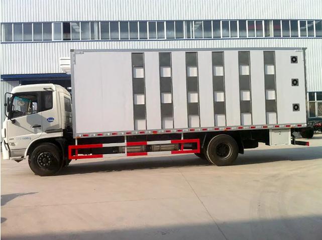 东风天锦运猪车正面白90