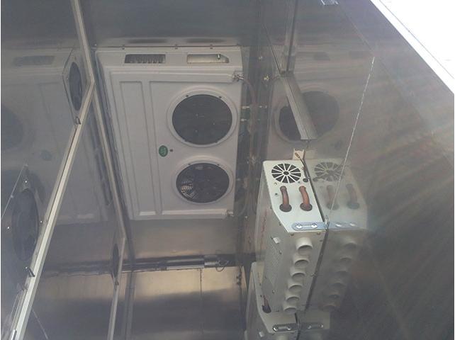 东风天锦运猪车冷暖空调