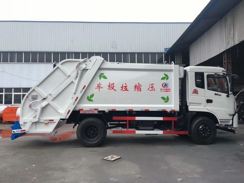 东风专底压缩式垃圾车图片侧面