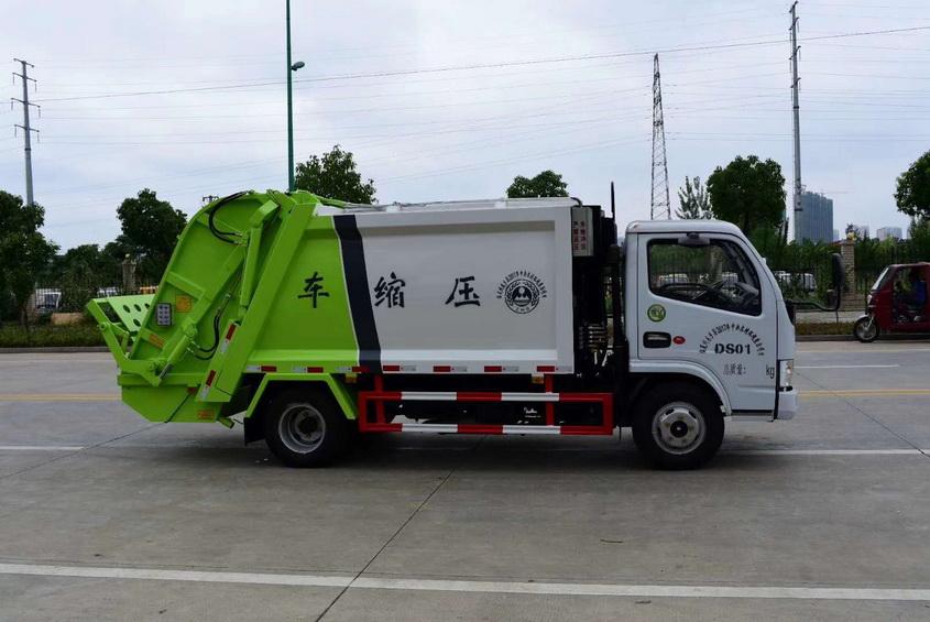 采购12吨天锦垃圾压缩车多少钱一辆00钢丝胎,方向助力,断气刹,中控锁,电动玻璃,ABS空调。