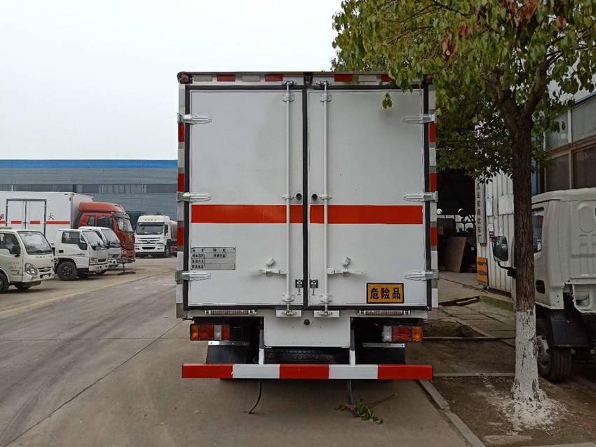 东风大多利卡6类毒性和感染性危险品运输车