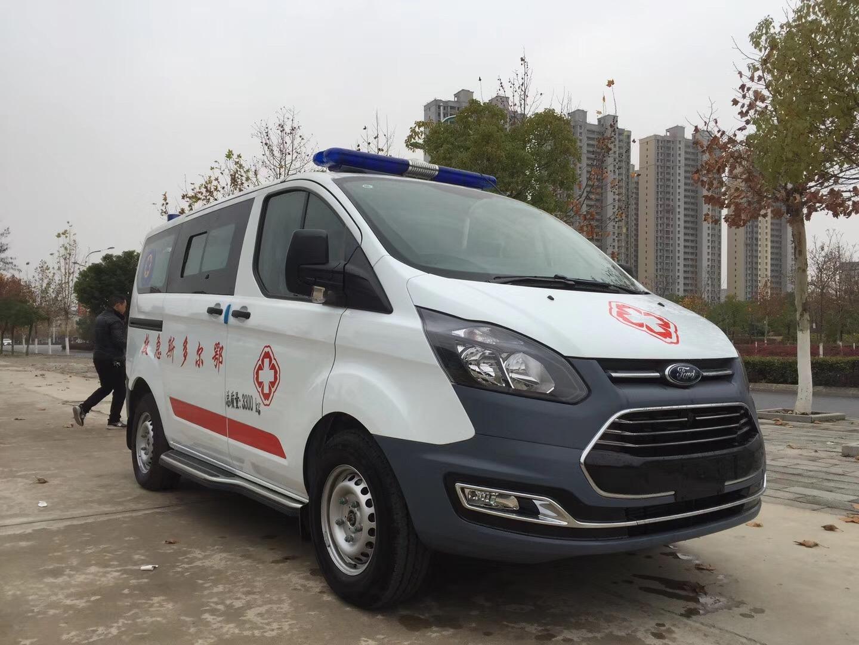 福特V362短轴救护车