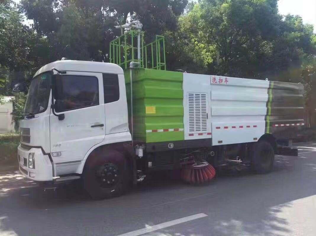 东风天锦8吨洗扫车2