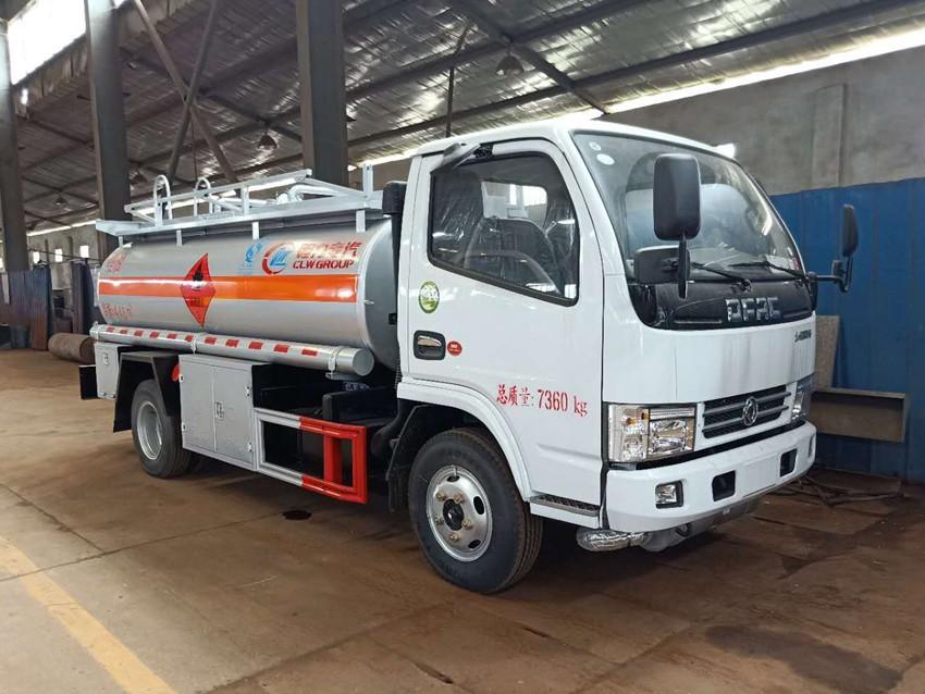 东风多利卡5吨加油车