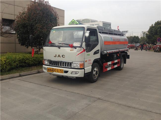 江淮駿鈴加油車油罐車3噸4噸5噸圖片