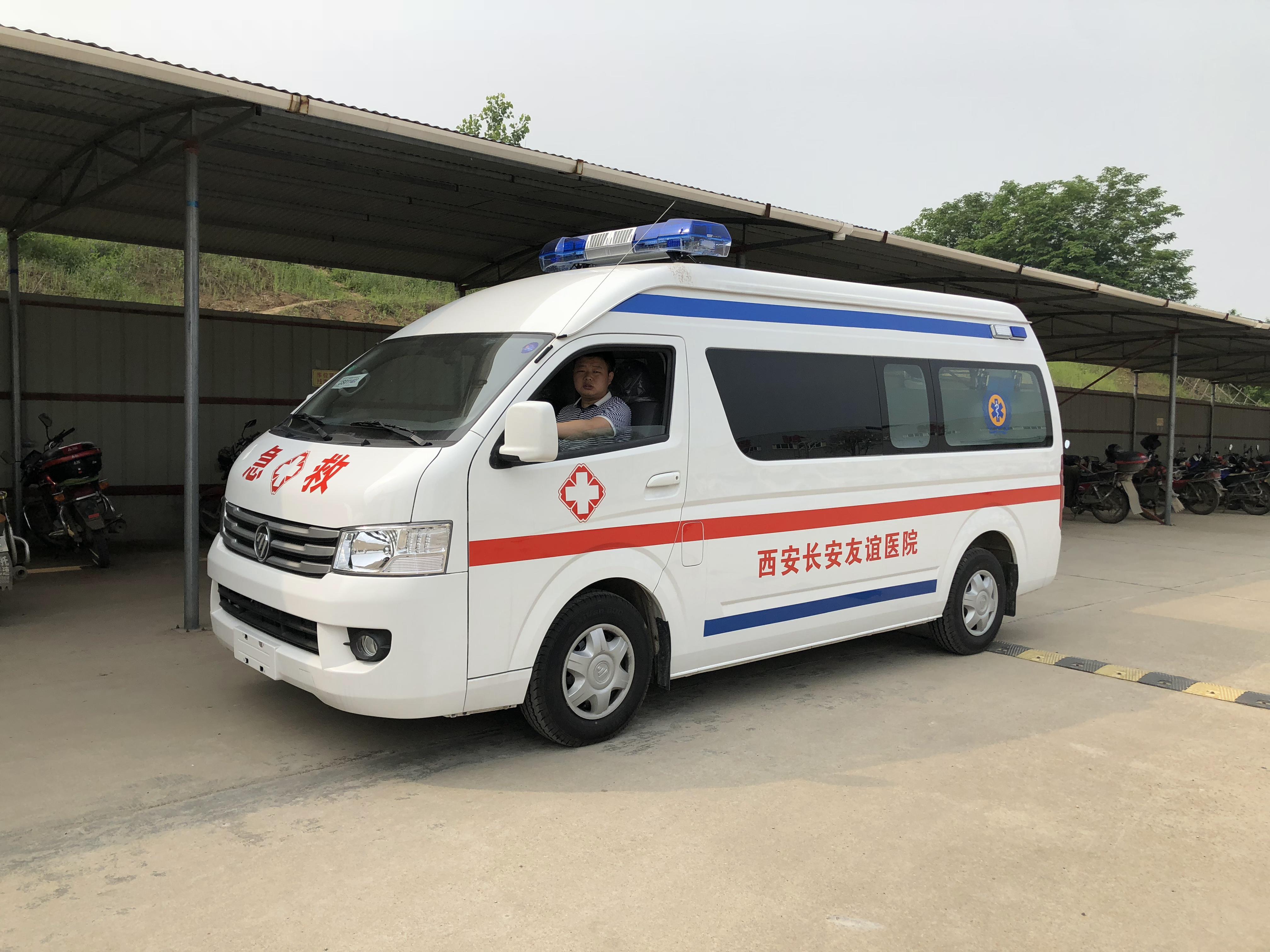 福田G9救护车 (2)