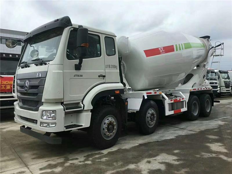 混凝土搅拌运输车液压油中进入空气的原因及危害